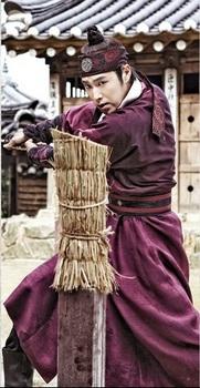東方神起ユノ主演、韓国ドラマ「夜警日誌」ユンホの画像.jpg