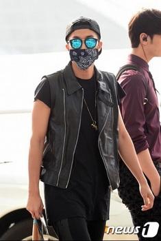 韓国アイドル「空港ファッション」2PMuyonnの画像.jpg
