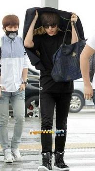 韓国アイドル「空港ファッション」インフィニット、エルの画像.jpg