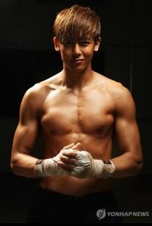 韓国イケメン、2PMのニックンの画像.jpg