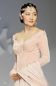 韓国美人女優、「イ・ヨンエ」の画像.jpg