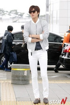 韓国アイドル「空港ファッション」イミンホ2の画像.jpg