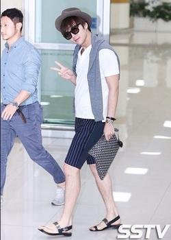 韓国アイドル「空港ファッション」グンsokuの画像.jpg