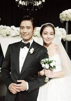 韓国美人女優、「イ・ミンジョンとイ・ビョンホン」の画像.jpg